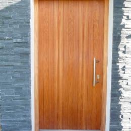 macesnova vhodna vrata
