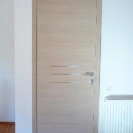 vrata beljen hrast in inox