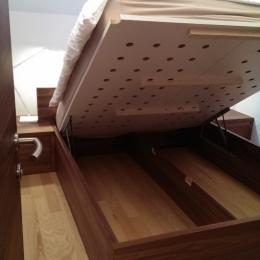 dvignjena posteja spalnica