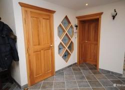 okno med notranjimi vrati