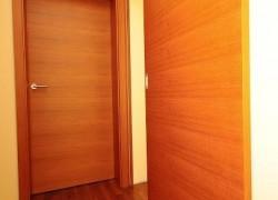 rjava vrata markelj