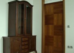 M5 starinska vrata ob omari OREH