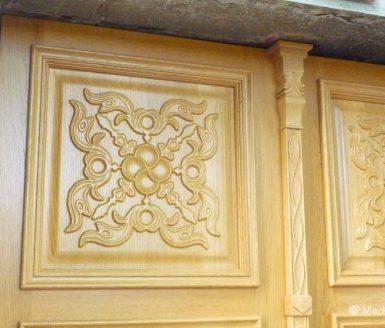 okras na vhodnih vratih