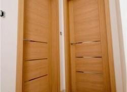 hrastova notranja vrata z inox detajli