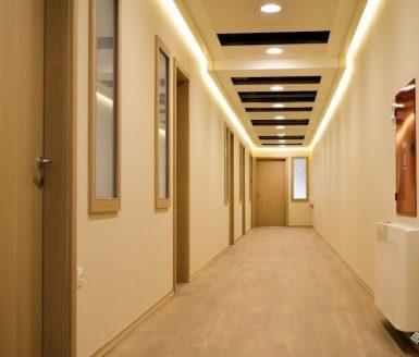 vrata po hodniku
