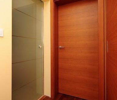 rjava notranja vrata