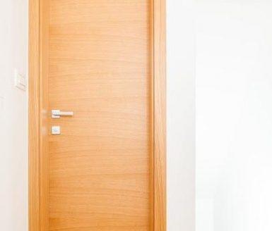 oranžna notranja vrata