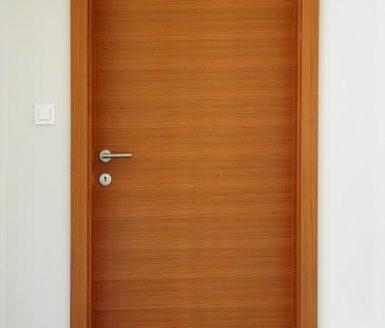 M2 notranja vrata v barvi akacije