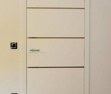 M2I bela vrata