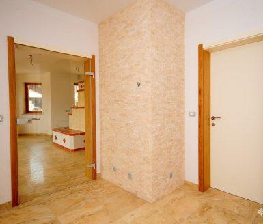 notranja vrata v beli barvi