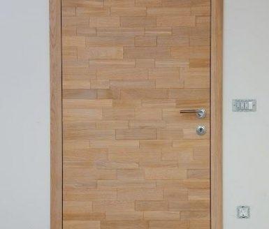 notranja vrata z reliefom