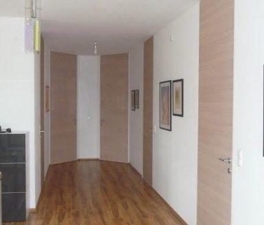 inline vrata na hodniku